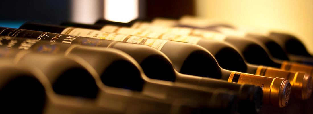 ¿Cómo conservar el vino en casa?