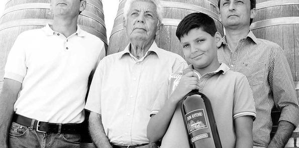 Antonio y sus hijos Carmelo y Giovanni