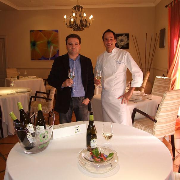 Eduardo con el cocinero Sergio Torres