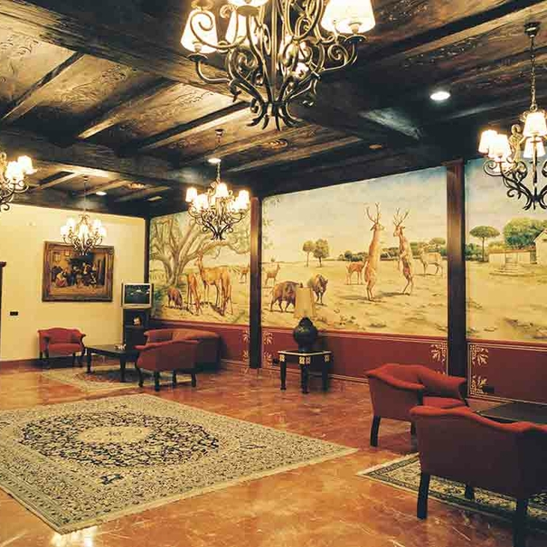 Salón de la bodega de estilo clásico