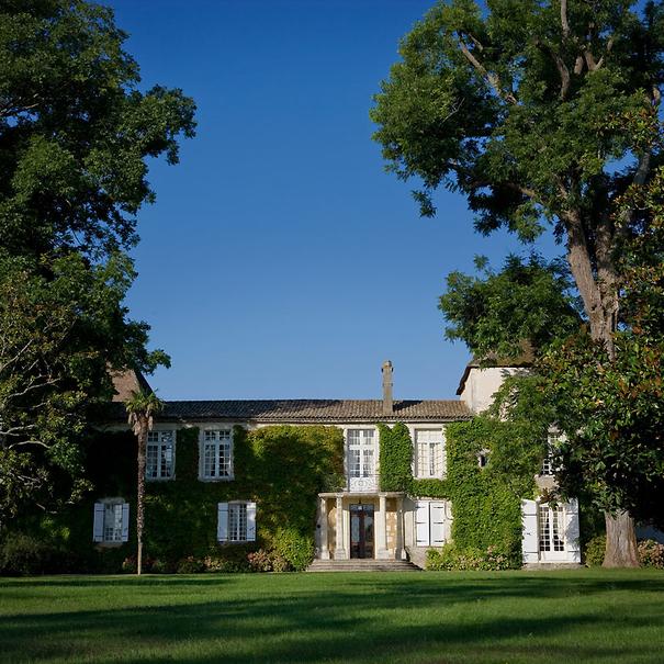Vista exterior del Château Carbonnieux