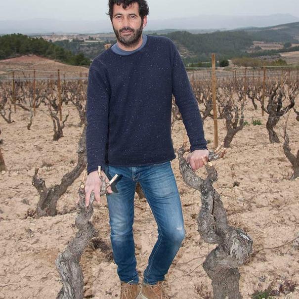 Dani en las viñas.