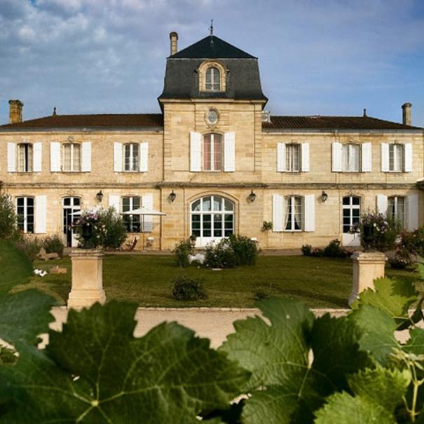 Vista de la bodega Chateau Les Grands Marechaux