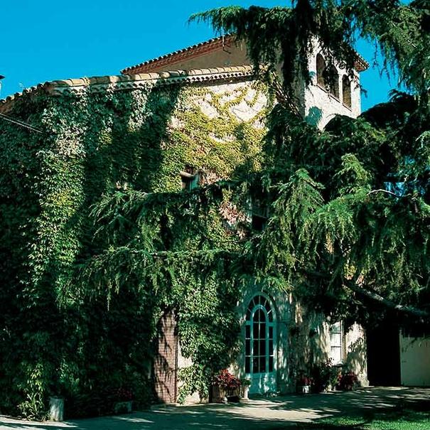Exterior de Bodegas Titiana