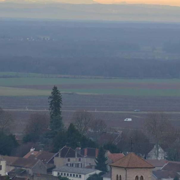 Gevrey-Chambertin con el Montblanc al fondo