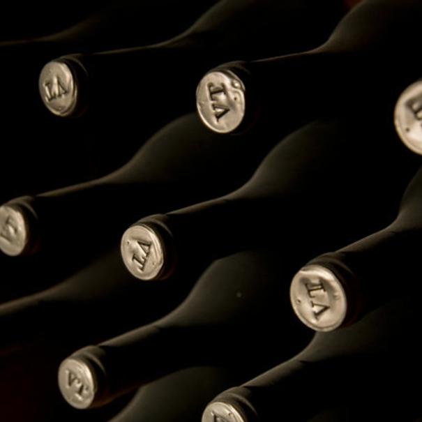 Detalle de las botellas de Valtravieso